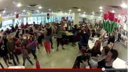 Dead Off Center Flashmob @ Ruby's Diner in Palos Verdes, California